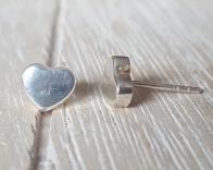 Door Roos sterling silver hart oorstekers