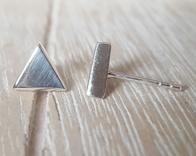 Door Roos sterling silver Triangle oorstekers